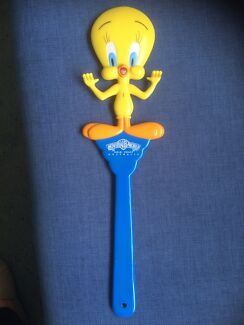 Tweety bird back scratcher