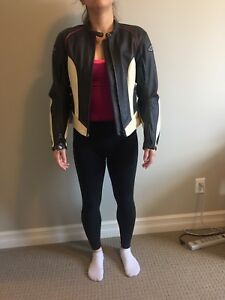 Womens leather motorcycle jacker. Size small