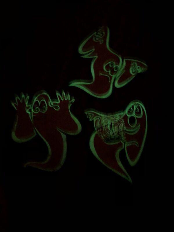 3 RARE 1973 Beistle Cardboard Glow In The Dark Ghosts Halloween Decoration