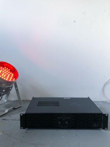 Behringer Power Amplifier KM750