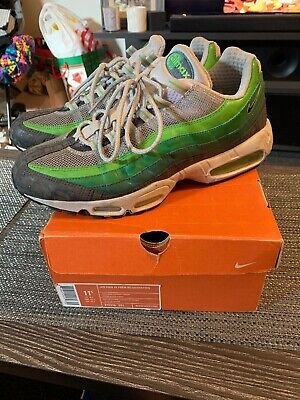 28dcb50026 Men's Nike Air Max 95 Rejuvenation Size 11.5 Green Grey Black 2006  313516-301