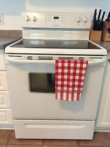 Frigidaire self cleaning oven - on warranty until March 20, 2017