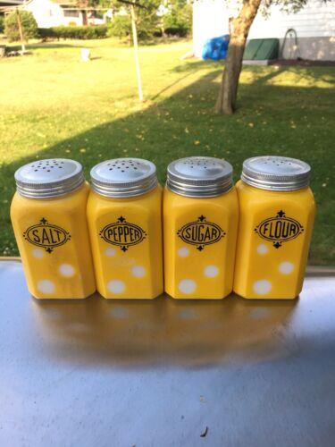 Vint Orig Hazel Atlas Yellow 'Reverse Dots' Shakers 4 pc Range Set S, P, SU, FL