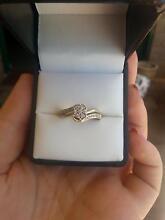 URGENT SALE Gold- Diamond Engagement Ring Set Gooseberry Hill Kalamunda Area Preview
