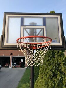 Lifetime basketball hoop like new