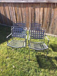 4 metal patio/backyard chairs