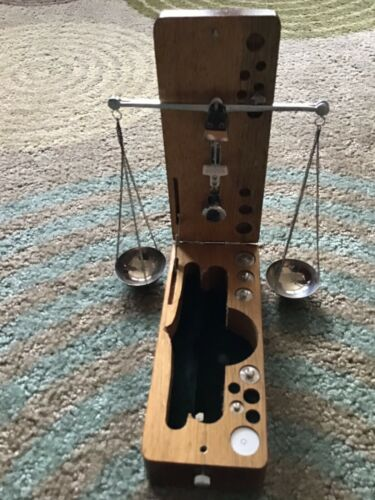 VINTAGE APOTHECARY BALANCE SCALE W/ BOX