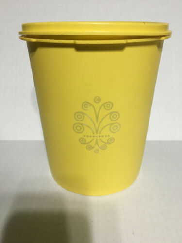 VINTAGE Yellow TUPPERWARE CANISTER 809-3 WITH LID - 810-25
