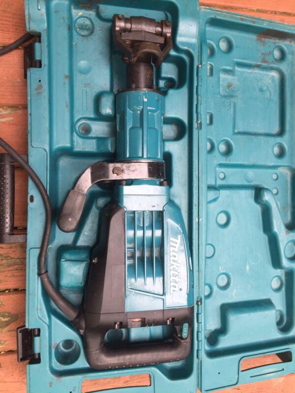 MAKITA HM1307CB demolition hammer
