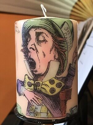 MAD HATTER IN CURIOUS ALICE HAND DECORATED PILLAR CANDLE 10x6.5cm