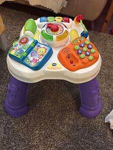 V-tech sit to stand discovery table