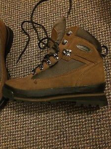 Cabelas hiking boot