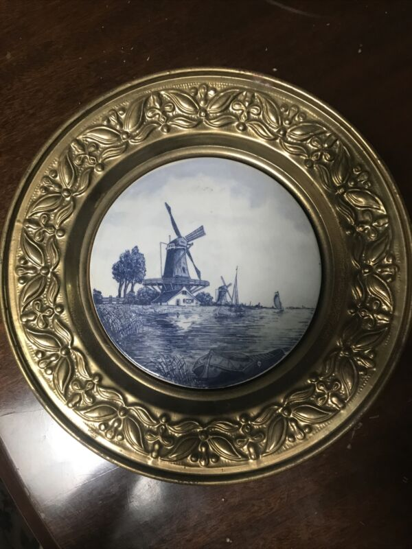 wall decor porcelain blue white plate in brass