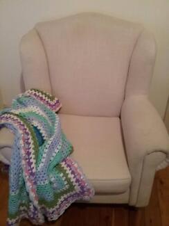 Single lounge chair
