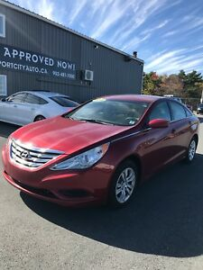 2012 Hyundai Sonata GL / 5 Speed Manual / Low KM / MUST SEE