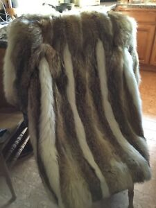 NATURAL COYOTE FUR COAT FULL LENGNTH  with SHADOW WHITE FOX TRIM