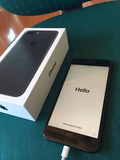 iPhone 7plus 256 GB jet BLACK SATURDAY SALE 7+ with box + charger