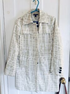 Authentic Tommy Hilfiger women's size large spring trench coat