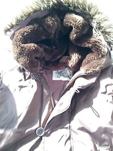 Roots women's down-filled jacket size L-Great condition London Ontario image 7