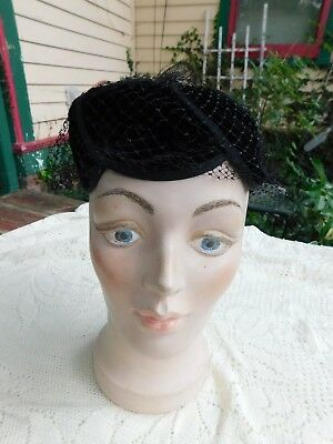 VINTAGE 1950's BLACK VELVET CHRUCH STYLE HAT WITH  VEIL PETAL STYLE TOP
