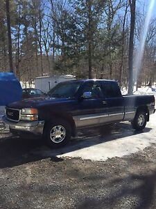 2002 GMC Sierra 1500 SLE 4x4 $1500 firm