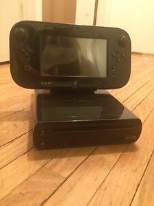 Nintendo WiiU Deluxe 32Gb - pro controller and games included