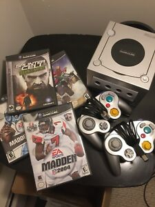 Nintendo GameCube for sale - 2 controllers & 4 games