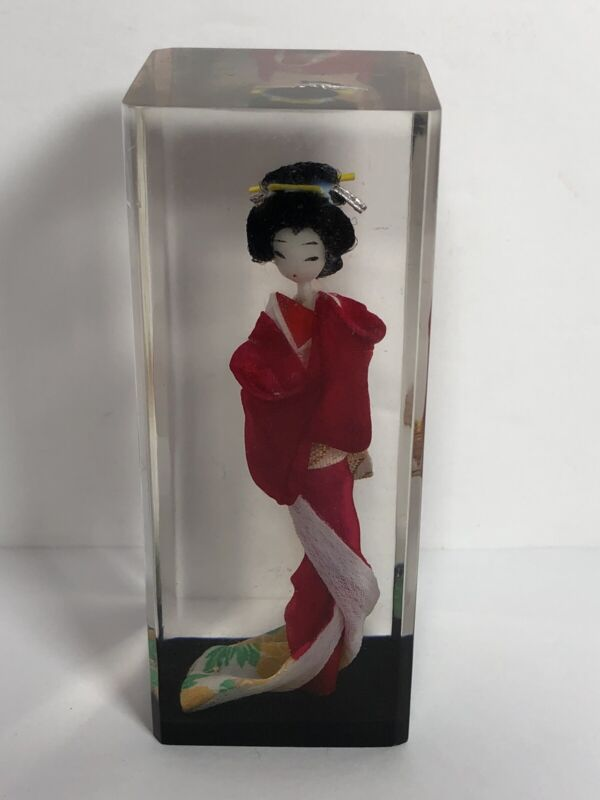 "Vintage Japanese Miniature Geisha Doll Figure In Lucite Plastic Cube 4"" Tall"
