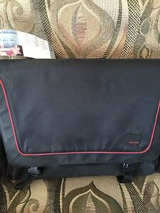 New Beklin Laptop Bag / Briefcase / Messenger Bag