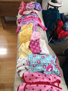 Girls 6m-9m lot, $12