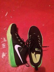 Nike Lunarlon Flywire size 13