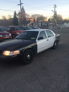 CROWN VIC ***POLICE PCKG***