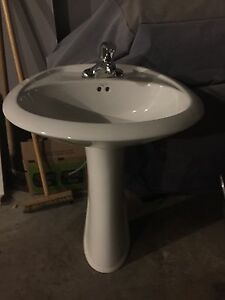 Wash basin with faucet