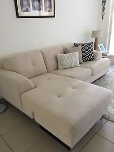 Lounge suite with chaise Murrumba Downs Pine Rivers Area Preview