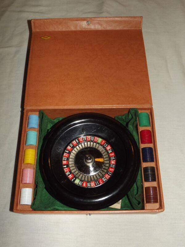 VINTAGE GAMBLING TOY  1941 ES LOWE ROULETTE WHEEL GAME