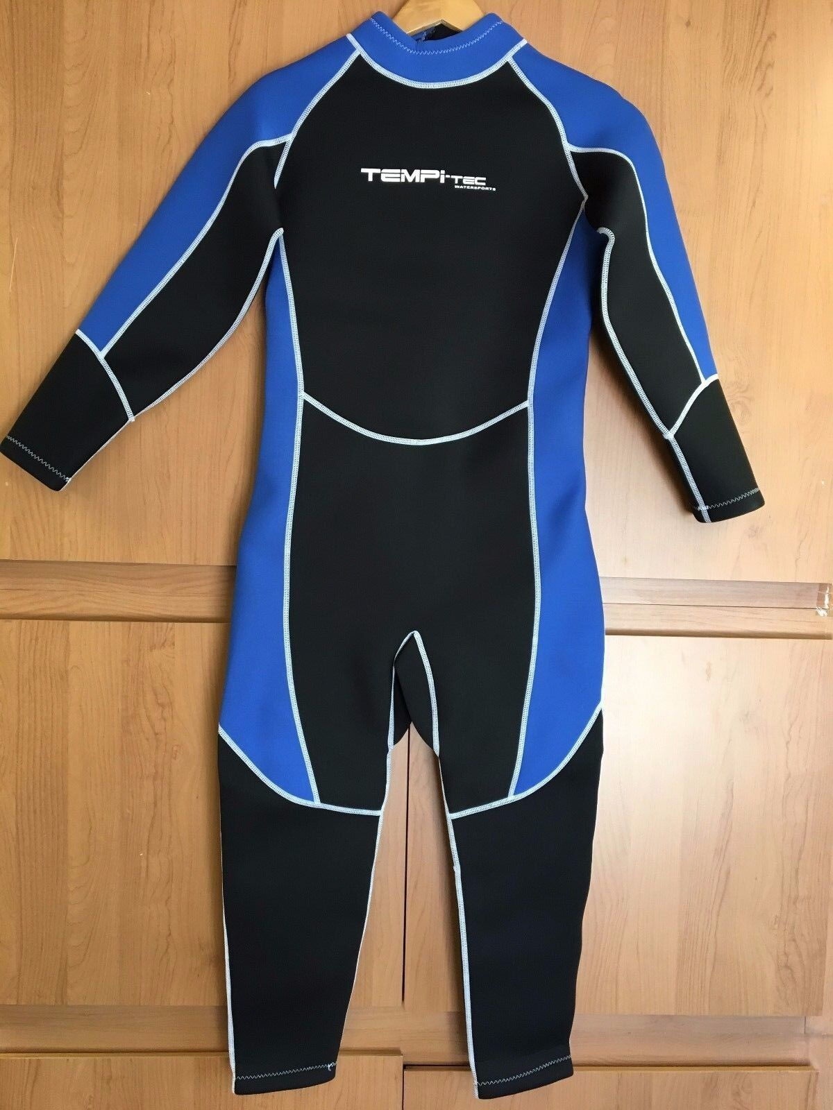 Tempi-Tec Men Full Wetsuit 3 MM size Large to 2X  Rear Zippe