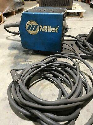 Miller Electric Model 22a 24v Welding Wire Feeder Welder W Tweco Mig-gun
