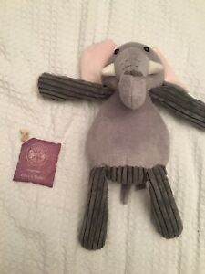 Scentsy buddy and lilacs and violets scent pack