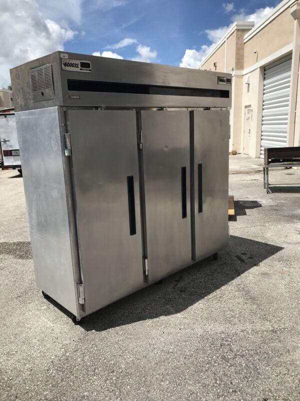delfield Xl 6000 refrigerator 3 Door