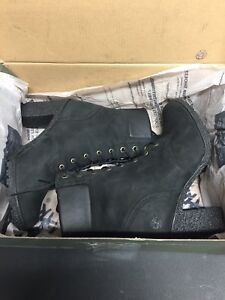 Timberland Woman's Glancy Boot Size 7.5 NEW WITH BOX