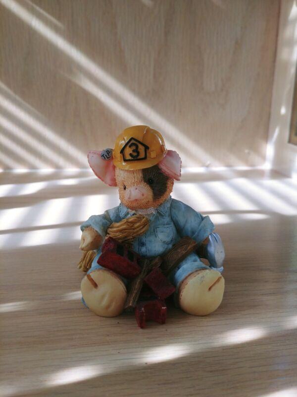 """This Little Piggy Figurine """"What A Handy Hog"""" Enesco 1995"""
