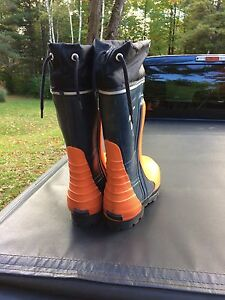 Viking chainsaw/ rubber steel toe boots