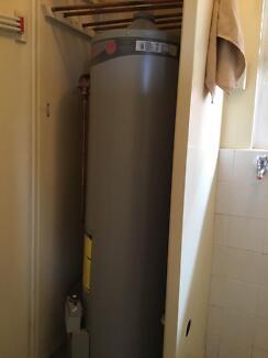 Rheem gas indoor water heater - 135L