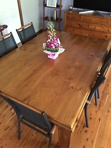 Solid Timber dining table, seats up to 10, exc cond Barden Ridge Sutherland Area Preview