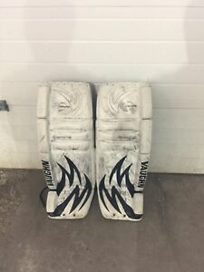 Vaughn Velocity Pulse V3 7700 Hockey goalie pads