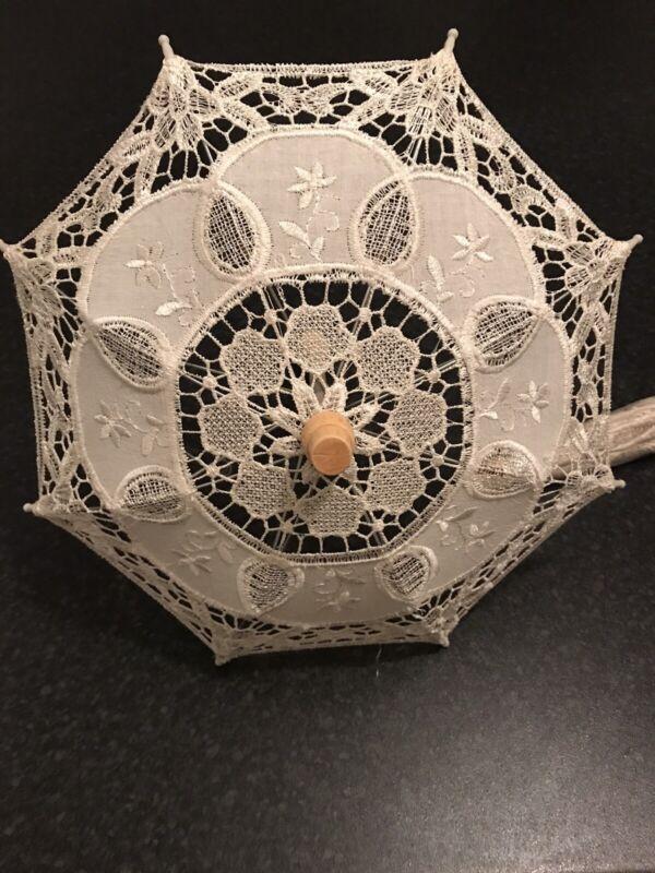 Miniature+Lace+Wooden+Handle+Parasol