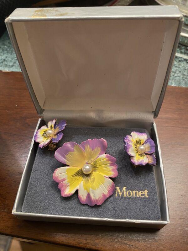 LOVELY VINTAGE MONET BROOCH SET - PANSIES AND PEARL 1894 IN ORIGINAL BOX!