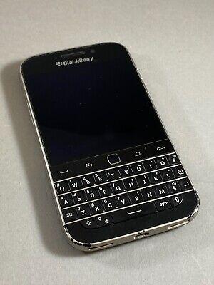 Fair Blackberry Classic Q20 AT&T 16GB Smartphone Charcoal Black Keyboard
