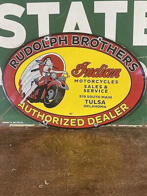 VINTAGE 47 ''INDIAN MOTORCYCL'' GAS & OIL PUMP PLATE 16.5X11 INCH PORCELAIN SIGN