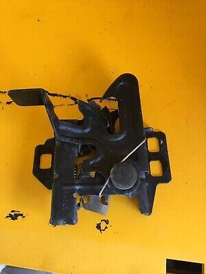 2000-2006 Chevrolet Suburban OEM hood latch assembly